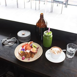 Preparing for a breakfast meeting tomorrow has got me thinking about my fave brekkie spots and @pentaelsternwick definitely makes the list  what's your fave brekkie spot in Melbs?! Hit me up x #penta #spon #coffeespot