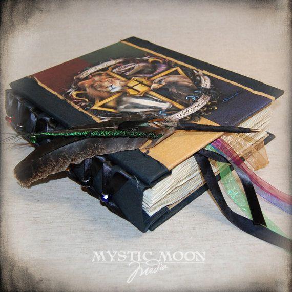 Zweinstein Crest / Harry Potter Journal / door mysticmoonmedia