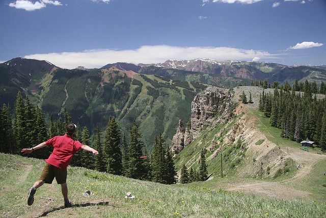 Kiss the Sky Disc Golf Course, 11,212 feet above sea level in Aspen, CO Played in this tournament about 10 years ago and it's one of the most incredible courses on the planet. #discgolf #aspen