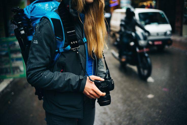 The Kaptin Kameragurt: http://www.designstraps.de/kameragurte/tragegurt/477/the-kaptin    #capturing #capturingcouture #kaptin #kameragurt #camera strap #cameragear #camera #kamera #fotografieren #foto #bild #reisen #travel #photography