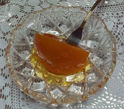 Από τα πιο αρωματικά αγαπημένα γλυκά κουταλιού !! Υλικά2 κιλά πορτοκάλια 2 κιλά ζάχαρη 1 λεμόνι 1/4 κουταλιού γλυκόζη Τι κάνουμε Παίρνουμε τα πορτοκάλια τα πλένουμε τα ξύνουμε από την έξω πλευρά και