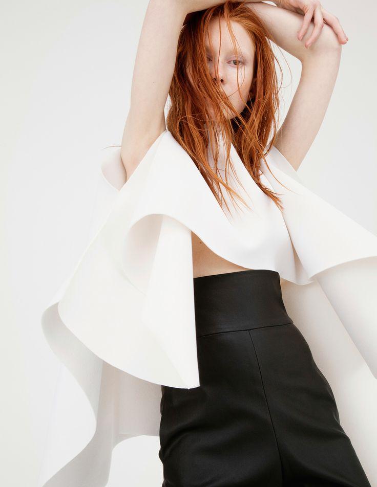 Sobre el minimalismo esencial de @Cihuah, ¿cómo no amar su colección #SS15? http://buff.ly/1wF6TDU