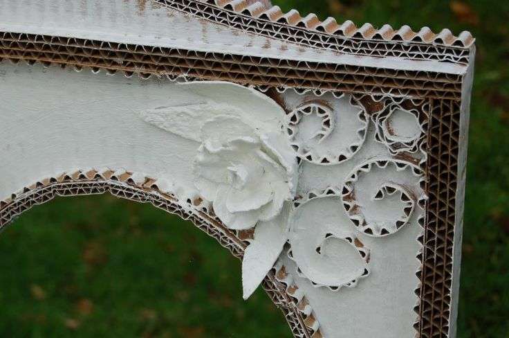Une fée...carton - meubles en carton - Martine Simard, Détail D'un Encadrement De Miroir