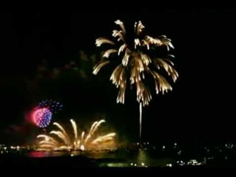 pesta kembang api, kembang api tahun baru, kembang api terbesar yang paling terndah yang ada di dunia yang dapat anda saksikan berikut ini dengan sangat inda...