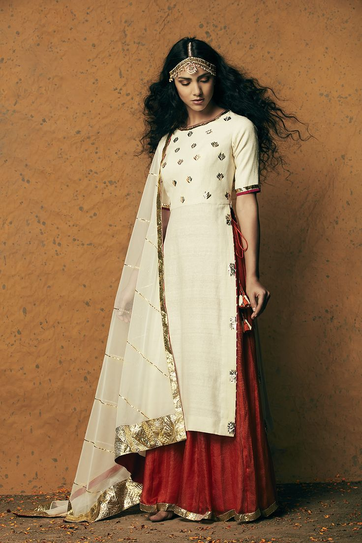 Wow everybody thiscoming wedding season with the amazing collection by Kunza. // HAATI CHAI
