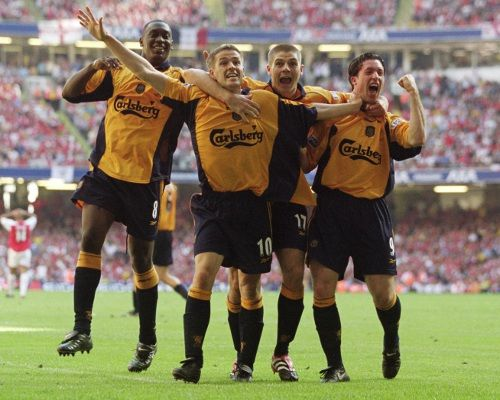 Celebrating Michael Owen's last-gasp winner against Arsenal in 2001 FA Cup Final