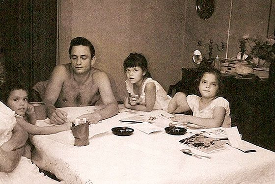 Johnny Cash Daughters | Cindy, Johnny, Kathy, and Rosanne Cash at the children's grandparents ...
