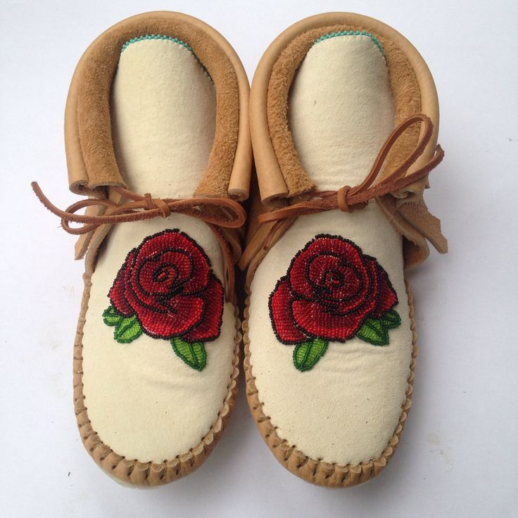 Beaded Rose Moccasins 🌹❤️