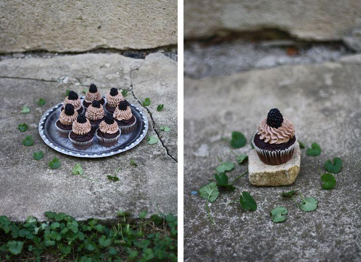 Děvče u plotny - Čokoládové cupcakes sostružinami