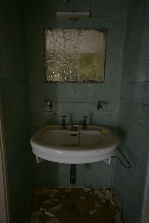 Beautiful Bathrooms Letchworth 346 best abandoned bathrooms / toilets images on pinterest