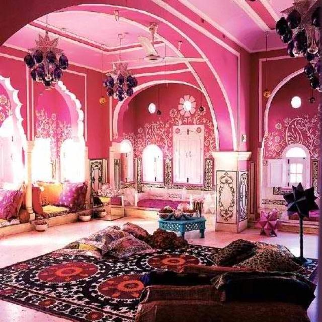 Love this pink Moorish/Morrocan pink room, I want!