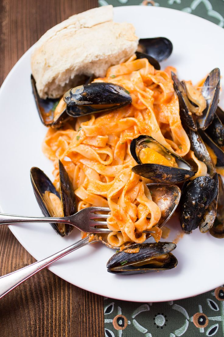 Tagliatelle With Blue Mussels Recipe Healthy Dinner Recipes Easy Recipes And Sauces