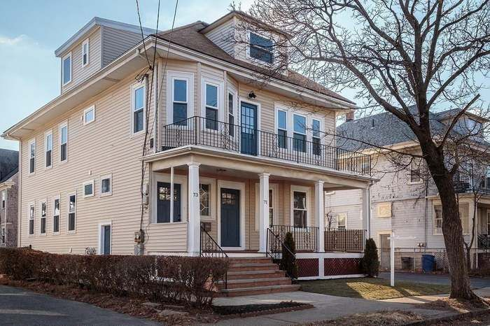 71 Harlow St 1 Arlington Ma 02474 House Styles Luxury Living Real Estate Sales