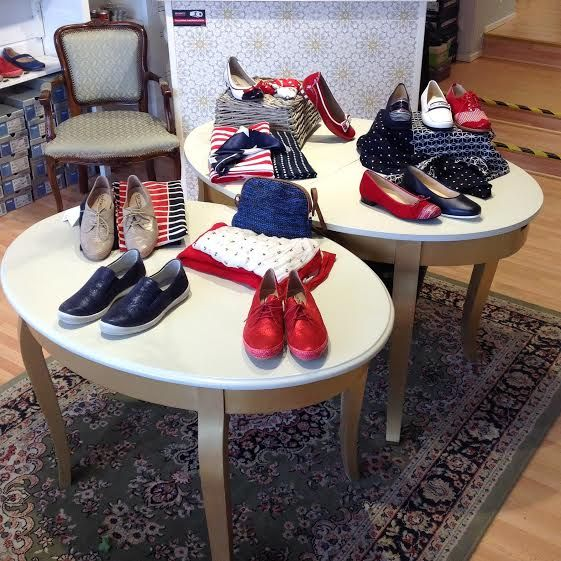 Merihenkisiä sävyjä. #shoes #marine