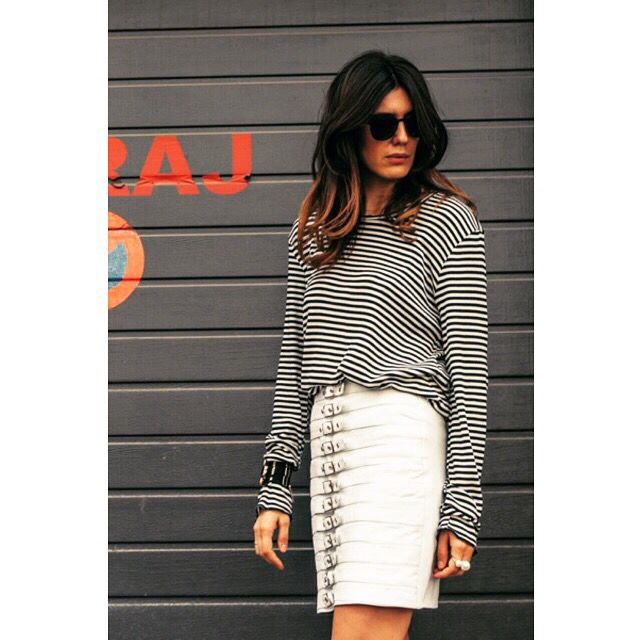 Blogger Alina Gherghe wearing our white leather skirt available now on www.manokhi.com