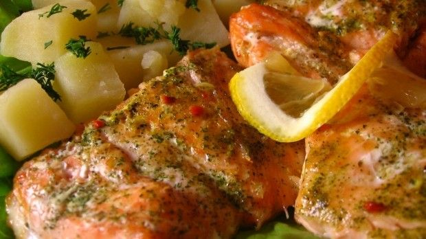 Buna Vestire este o zi din postul Paştelui plină de mângâiere și speranță, când avem dezlegare la peşte. Am ales pentru dumneavoastră câteva rețete delicioase pe bază de pește, care sperăm să vă încânte. Spor la gătit și poftă bună! PLACHIE DOBROGEANĂ Ingrediente: ● 1,4 kilograme Crap fă