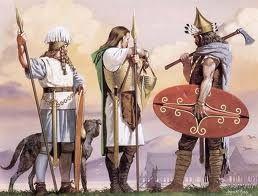 22 – Los germanos eran disciplinados, organizados rígidamente en función de la familia, como pueblo eran marciales, belicosos, buenos guerreros, y con especiales condiciones físicas, de alta estatura, ojos azules y rubias cabelleras eran tema de los comentarios de los romanos de la época.