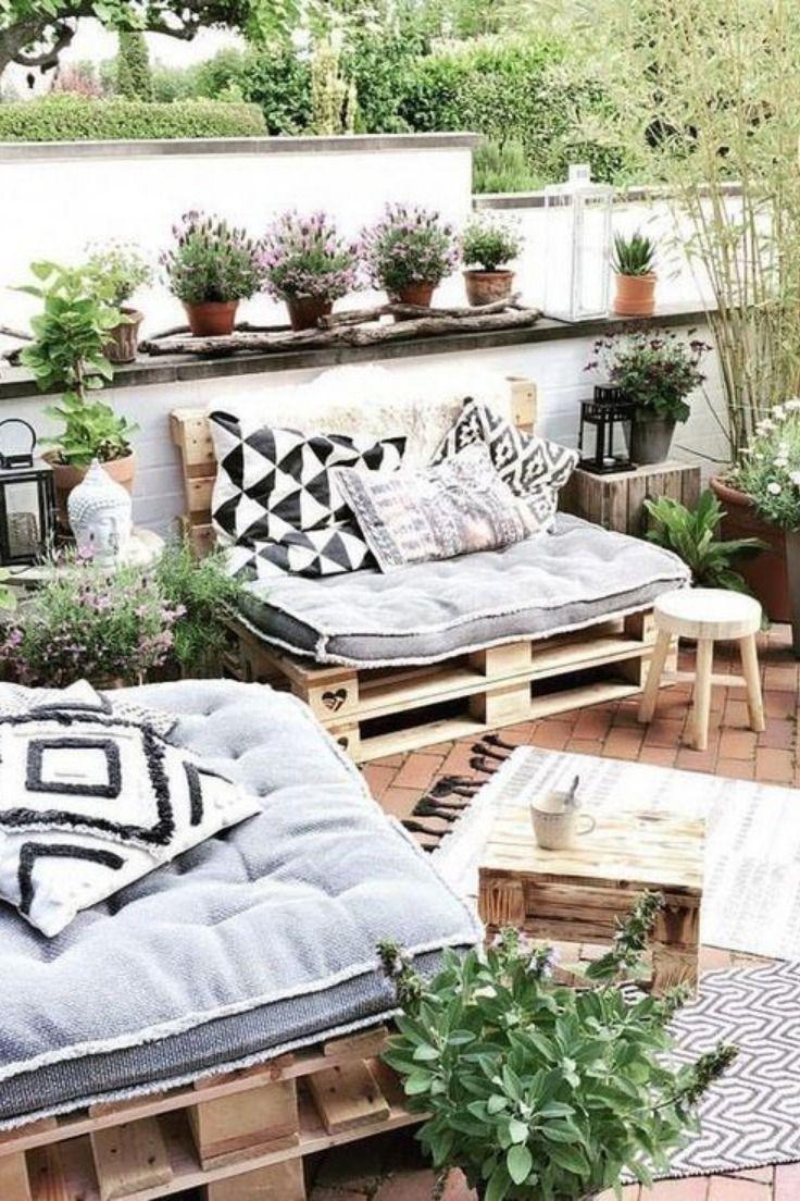 Comment créer un salon de jardin avec des palettes ? - Rhinov en