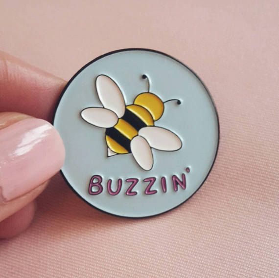 Buzzin' Bee Enamel Pin Lapel Pins Pins Louis