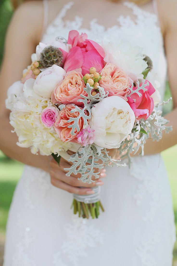 Wedding bouquet by Redlav // by Astilean Photography