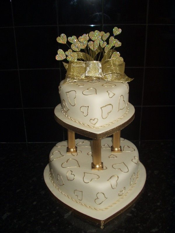 wedding cakes with pillars 86 best images about pillar wedding cakes on 26077