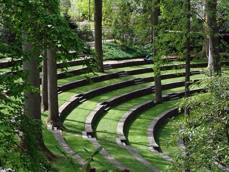Constructed in 1942, the Outdoor Amphitheater was designed by noted Philadelphia landscape architect, Thomas W. Sears. Today, mature tulip trees and white