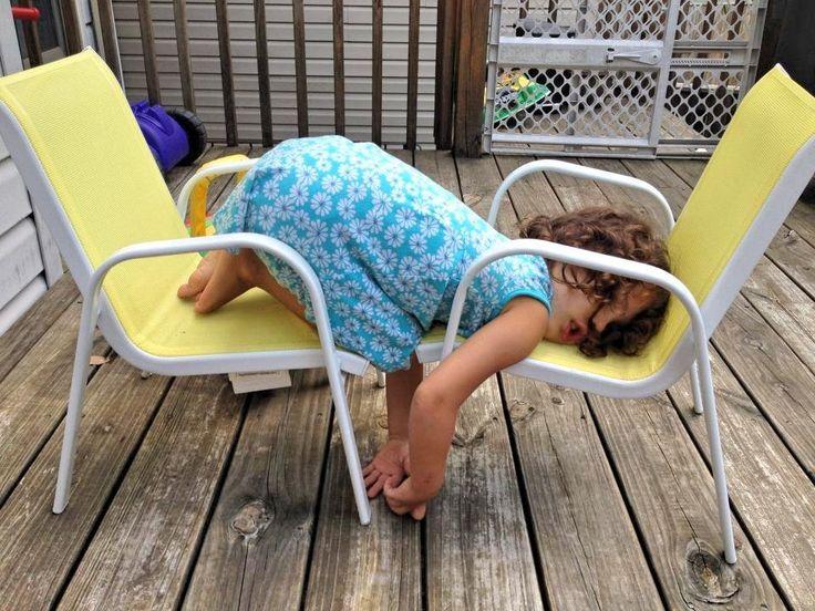 Смешные позы спящих (10 фото)