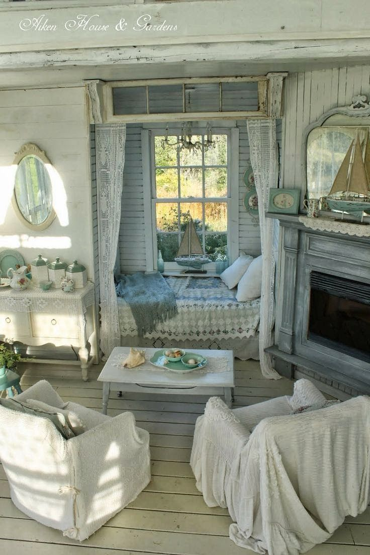 Love this room not necessarily from a cottage in england for Shabby vintage gustavien