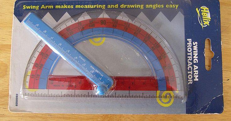 Cómo leer transportadores. Un transportador es un instrumento común utilizado para medir ángulos. Puede que uses uno en tus clases de matemática para la tarea o para medir ángulos y esquinas al construir. Hay muchos tipos de transportadores. El más facil de utilizar y leer es un medio círculo que mide 180 grados. Una vez que sabes cómo leer un transportador, serás capaz de ...