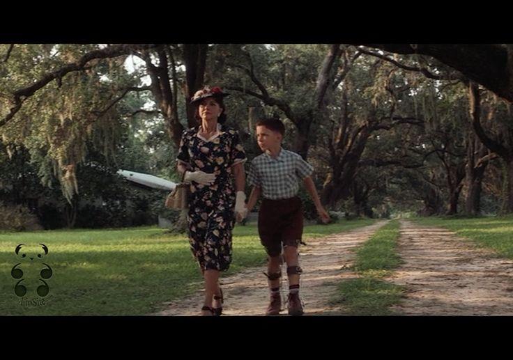 """E mi sa che tutti diranno: """"Ma chi è Winston Groom?"""" Eppure tutti conosciamo il film Forrest Gump, ma nessuno ha letto il libro da cui è tratto :D  Ovviamente vi ho messo il video :) tratto dal film.  """"Non permettere mai a nessuno di dirti che è migliore di te, Forrest. Se Dio avesse deciso che  [segue]""""  #wistongroom, #forrestgump, #credereinse, #diversita, #incoraggiamento, #film, #italianquotes, #video, #citazione, #italiano,"""