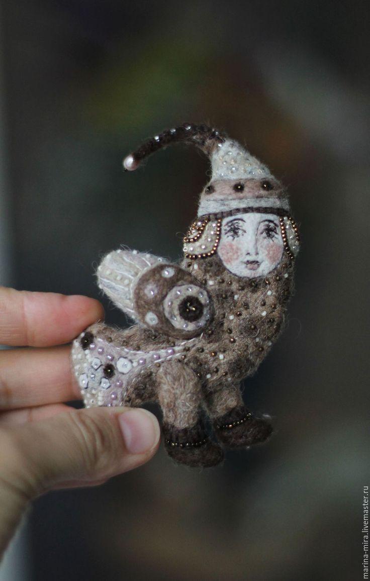 Купить войлочная брошь Птица Сирин, серия Сказочный лес. - коричневый, сказочный персонаж