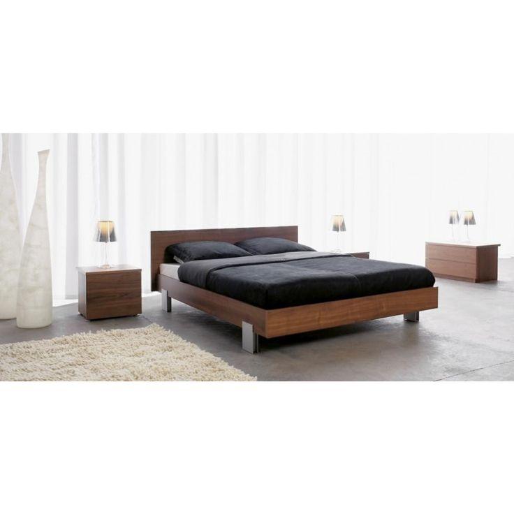 Vi har tre forskjellige type nattbord som passer perfekt til Uno sengene. De kan også skaffes i alle tresorter etter forespørsel.