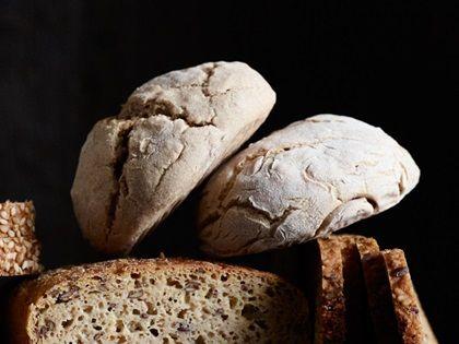 Alnatura Rezept: glutenfreie Kräuterbrötchen