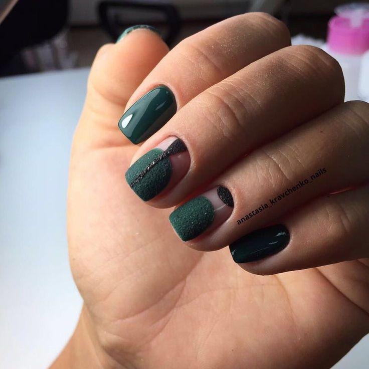 Emerald nails, Emerald nails ideas, Fashion matte nails, Glossy nails, Green nail designs, Ideas of matte nails, Medium nails, Miley Cyrus nails