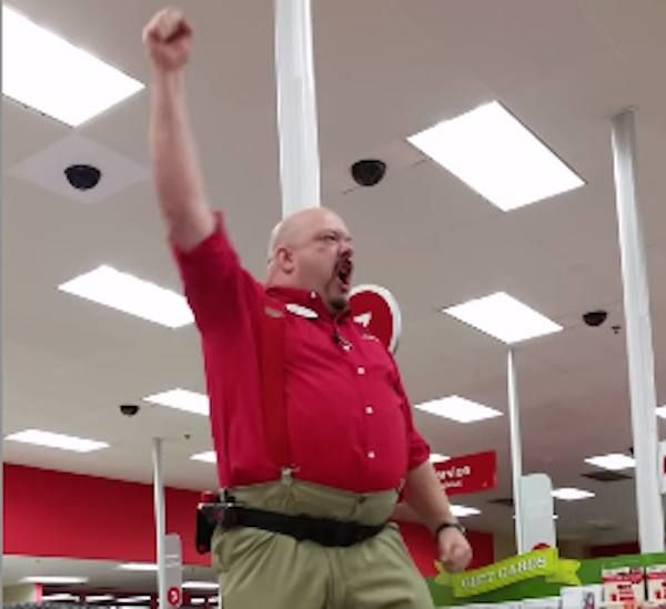 """Target manager delivers """"Braveheart-style"""" speech before opening the doors on Black Friday. 