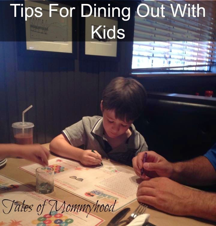 Tips for dining out with kids from @tlsofmommyhood