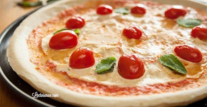 Procurando receita de pizza sem glúten e lactose? Então confere essa massa de pizza sem glúten e lactose, fácil de fazer e fica identica a original :)