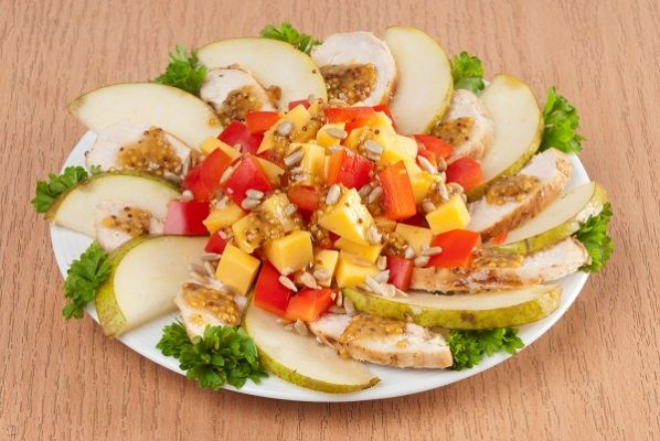 salad-with-pears-and-chicken-fillet