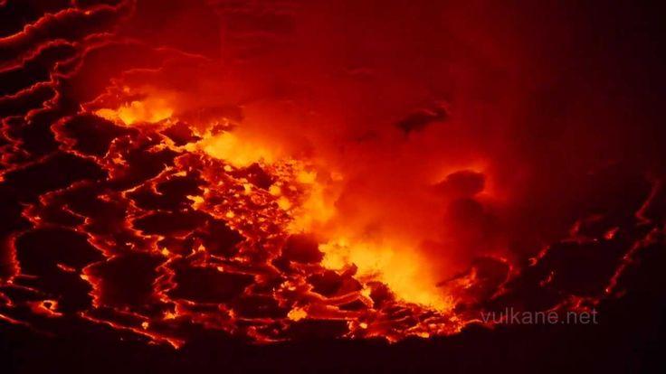Risultati Immagini Per Incredible Volcanoes Formation My Planet - Incredible neon blue lava flames erupt volcano
