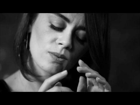 Demet Evgar - Farketmeden - YouTube