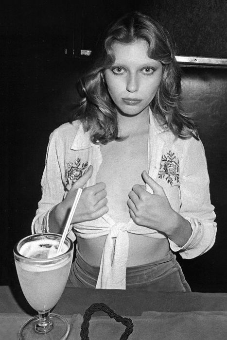 Bebe Buell at Max's Kansas City, 1972 - Ph Anton Perich