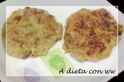 A dieta con ww: HAMBURGUESAS DE BERENJENA Ingredientes: - 2 berenjenas medianas - 2 cebollas - 3 dientes de ajo - 100gr de avena molida 6.5pt - sal, pimentón y pimienta - 2ct de aceite de oliva 1.5pt Salen 8 hamburguesas grandes a 1pt cada una.