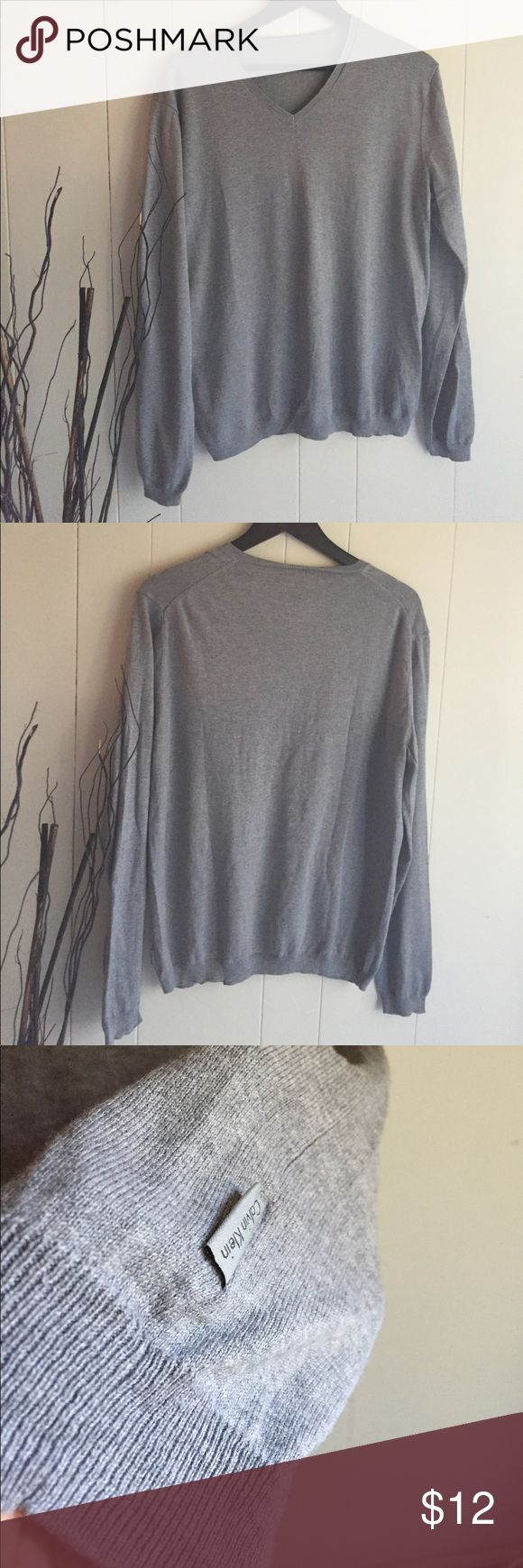 Men's V neck sweater Gray Calvin Klein men's sweater missing inside label (itched his back) Calvin Klein Sweaters V-Neck
