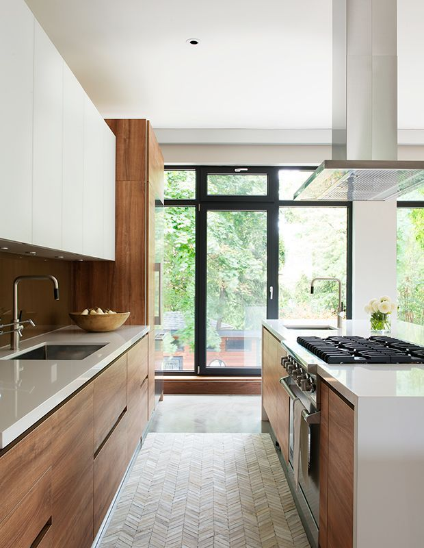 To help you pick a style that best reflects your taste, your kitchen layout and your lifestyle, here are some of our favorite kitchen cabinet ideas.