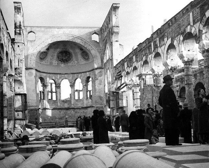 Θεσσαλονίκη, λίγους μήνες μετά την καταστροφική πυρκαγιά του Αυγούστου του 1917, ξεκινούν οι αναστηλωτικές εργασίες στον Ναό του Αγίου Δημητρίου.  Δημοσίευση Θεόδωρου Μεταλληνού