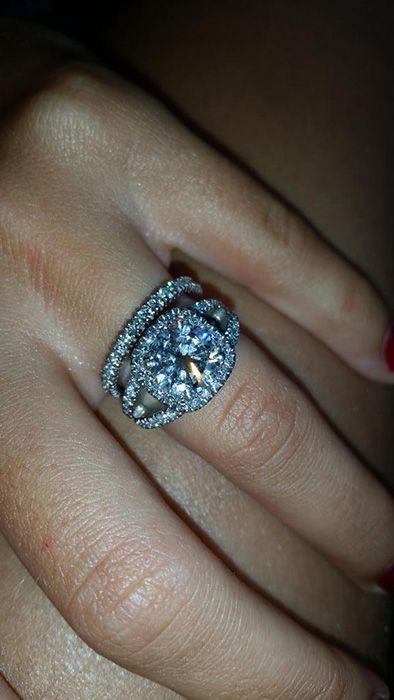Peter Andre buys fiancée Emily MacDonagh eternity ring - hellomagazine.com