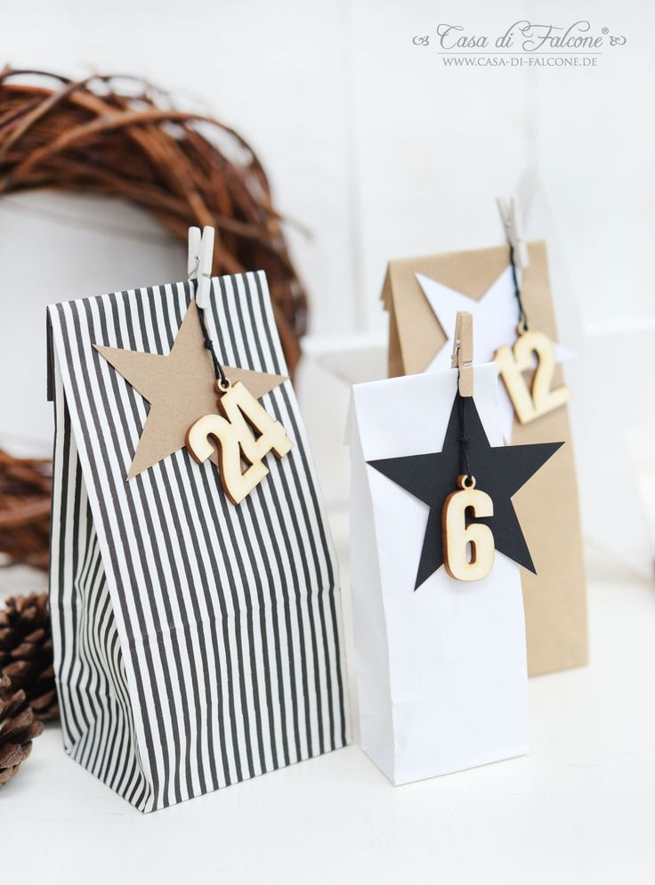 Make a cute and stylish advent calendar with decorative paper bags.