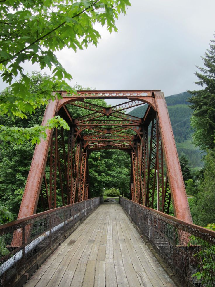 Lake Cowichan - nice old bridge