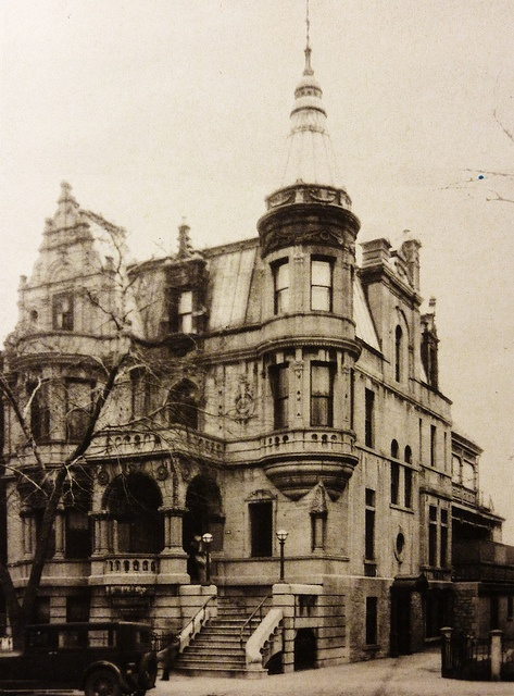 "Montreal 1936. The 438 Sherbrooke Street East. House Dubuc. Built: 1894. While the English elite live west of the city, the French-Canadian bourgeoisie took up residence in the Latin Quarter. We see very soon appear Dorchester (now Blvd. René-Lévesque) and large houses Sherbrooke family. Built for the wealthy fur traders, businessmen and notables, they are speaking for the residences of the ""Golden Square Mile""."