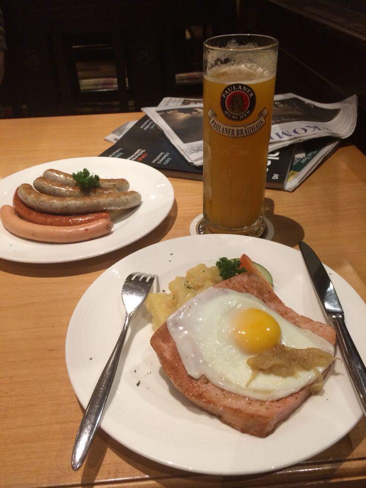 Food and beer at Paulaner